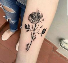 Best Arm Tattoos – Meanings, Ideas and Designs for This Year Part arm tattoo ideas; arm tattoo for girls; arm tattoos for girls; arm tattoos for women; arm tattoos female Source by Cool Arm Tattoos, Trendy Tattoos, Foot Tattoos, Cute Tattoos, Unique Tattoos, Beautiful Tattoos, Arm Tattoos Of Roses, Tattoo Thigh, Arm Tattoos For Women Forearm