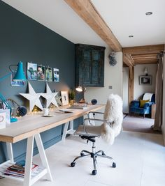 15 Stylish Study Space Designs With Contemporary Spirit – Hausarbeit Ideen Gray Interior, Interior Design, Border Oak, Rustic Home Offices, Oak Framed Buildings, Oak Bedroom, Bedroom Office, Oak Desk, Home Office Space