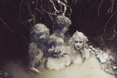 Graveyard Girls par Kyle Thompson et Marissa Bolen - Journal du Design Kyle Thompson, Graveyard Girl, Fantasy Photography, Sirens, Dark Fantasy, Dark Art, Art Inspo, Character Inspiration, Halloween