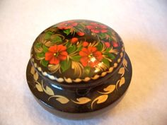 Vintage Ukrainian Miniature Lacquered Box by WindmillersTreasures,
