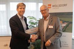 Die Firma Wollsdorf Leder aus der Steiermark hat sich mit 6.400 Tonnen CO2 an unserem Korridor Projekt beteiligt und sich durch den Kauf von Regenwald und durch die Pflanzung von Bäumen Klima neutral gestaltet.  Am Foto die Übergabe der Urkunde. Ein großer Dank geht an CEO Andreas Kindermann.