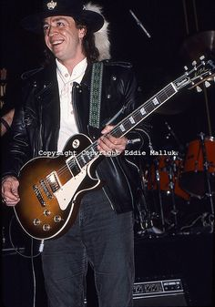 Stevie Ray Vaughan Photo Gallery | Stevie Ray Vaughan: PLAYING GIBSON LES PAUL; RARE EXCLUSIVE.Live: NAMM ...