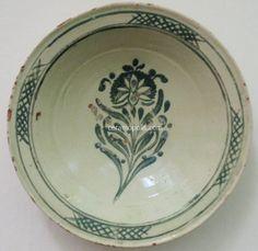 Canakkale - Museum of Folk Art Rhodes Greece Turkish Pattern, Turkish Art, Flower Plates, Pottery Bowls, Arabesque, Trees To Plant, Flower Designs, Stoneware, Lilla Rogers