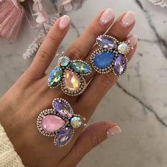 Bead Embroidery Tutorial, Bead Embroidery Patterns, Beaded Jewelry Patterns, Embroidery Jewelry, Beaded Embroidery, Seed Bead Jewelry, Clay Jewelry, Diy Macrame Earrings, Bead Jewelry
