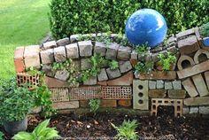 Vorgarten Zaun index.php / fa / / index.php / fa / / Fantastic Back and Front Yard L Insect Hotel, Bug Hotel, Garden Deco, Garden Art, Diy Garden, Balcony Garden, Php, Walled Garden, Succulent Wall