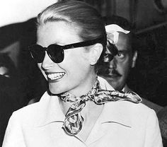 Grace Kelly: the Princess of Scarves via Playing With Scarves. Original source unknown.