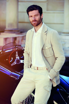 Xabi Alonso Xabi Alonso, Soccer Baby, Fitness Models, Lace Dress Styles, Artists And Models, Hairy Men, Sport, Beautiful Outfits, Beautiful Clothes