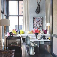 Trendy New York apartment designed by Manhattan-based interior designer Jamie Drake with architect Annabelle Selldorf.