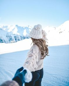 Love you ☺️ By the way, wear our sweater 💕 Kö . - Love you ☺️ By the way, wear our sweater 💕 You can preorder soon 😍 - Photography Winter, Tumblr Photography, Christmas Photography, Photography Ideas, Winter Mode Outfits, Winter Fashion Outfits, Winter Drawings, Winter Illustration, I Love Winter