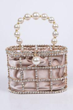 Unique Handbags, Unique Purses, Stylish Handbags, Luxury Handbags, Fashion Handbags, Fashion Bags, Trendy Fashion, Fashion Ideas, Boho Bags