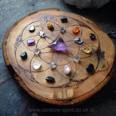 Finally got to make my own crystal grid board with Cornish sycamore and Flower of Life pattern Crystal Magic, Crystal Grid, Crystal Healing, Crystals Minerals, Crystals And Gemstones, Stones And Crystals, Flower Of Life Pattern, Witch Aesthetic, Wiccan