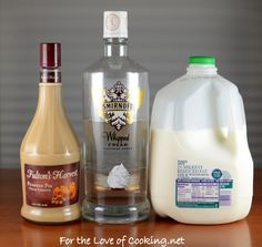 Pumpkin White Russian (or 3 oz pumpkin pie vodka, 2 oz kahlua, pumpkin pie spice, 6 oz half and half or milk)