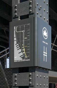 The High Line Signage And Environmental Graphics - Pentagram Design Design Typo, Web Design, Signage Design, Global Design, Design Ideas, Design Inspiration, Brand Design, Modern Design, Park Signage