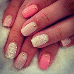 Unhas Pintadas // Rosa // Nude // Glitter Branco // Pedrinha Dourada