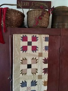 Turkey Tracks, Bear Paws, Antique Quilts, Primitive Christmas, Home Look, Merry, Farmhouse, Textiles, Collections