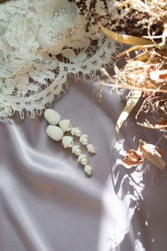 2ad675c1c06c Imitation pearl earring - Oscar de la Renta earring - Bridal earring - Clip  on earring - Bead wedding earring - White pearl bead earring