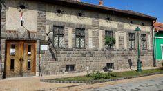 Tárt karok: Börzsöny Múzeum, Szob Mountain Range, Homeland, Hungary, River, Mansions, House Styles, Outdoor Decor, Mansion Houses, Manor Houses