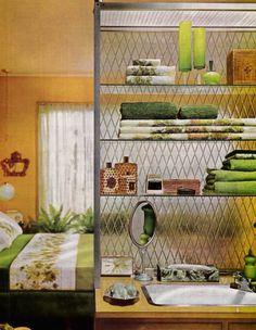 retro home decor wholesale 1970s Decor, 70s Home Decor, Home Decor Kitchen, Kitchen Country, Retro Interior Design, Interior Design Inspiration, Vintage Room, Vintage Decor, Vintage Bathrooms