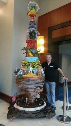 Amazing Wizard of Oz Cake-oh my Lanta! I LOVE IT SOO MUCH