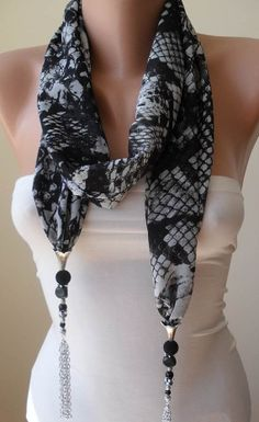 animal-print-scarf-necklace.jpg (570×930)