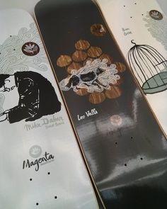 Magenta Skateboards fait son retour à HawaiiSurf avec de superbes séries !  Ici les planches des team-riders Léo Valls et Ben Gore ainsi qu'une guest board pour Mike Daher ! @magentaskateboards  #skateboard #skateboarding #new #board #boardporn #alldayeveryday #skatelife #hawaiisurf #paris