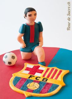 FC Barcelona Soccer (Football) Player hand sculpted with sugar  http://www.fleurdesucre.ch