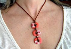 Polymer clay necklace: Floral necklace, Coral flower necklace, Gift woman, Gift for her, This polymer clay necklace is perfect for any special occasion. Designs entirely made by hand from canes I make myself. This necklace consists of three pieces of polymer clay with flower
