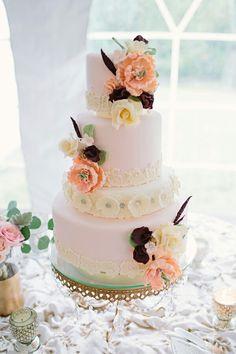 Backyard or garden inspire cake https://m.facebook.com/Katherinejewelscent/