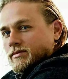 Charlie Hunnam - Sons of Anarchy Jax Sons Of Anarchy, Jackson Teller, Charlie Hunnam Soa, Jax Teller, Hommes Sexy, Andrew Lincoln, Good Looking Men, Man Crush, Gorgeous Men