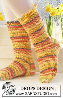 "Short DROPS Easter socks with rib in""Fabel"". Size 26 to 43. ~ DROPS Design"