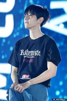 Baekhyun with softlens T.T 160604 EXO at Dream Concert Cr : my dreamboat