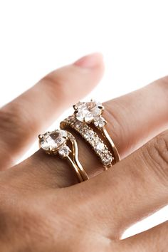 Are you wanting your engagement ring and wedding band to sit flush against one another or do like prefer the look of a straight band? Both are beautiful options!