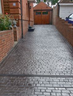 Concrete stamped driveway Country Cobble Drive in Graphite Grey