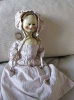 """Antique """"Queen Anne"""" or early """"Georgian"""" , carved wooden doll. 21""""/ 52 cm."""