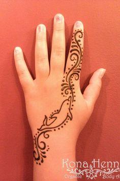 Henna & Paisley 125 Stunning Yet Simple Mehndi Designs For Beginners& Easy And Beautiful Mehndi Designs With Images & Bling Sparkle 125 Stunning Yet Simple Mehndi Designs For Beginners& Easy And Beautiful Mehndi& Animal Henna Designs, Cute Henna Designs, Henna Tattoo Designs Simple, Mehndi Designs For Kids, Mehndi Designs For Beginners, Beautiful Henna Designs, Beautiful Mehndi, Henna For Beginners, Henna Tattoo Hand
