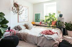 Inside Brooklyn creative director Dan Pelosi's colorful home - Curbed NY
