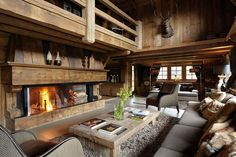 now that's a unique rustic great room! #rustichomes #rusticrooms