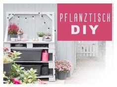 Mein Pflanztisch gebaut aus Paletten als upcycling für den Garten. Wunderschön mit floralem Muster auf der Arbeitsplatte. Wie wir das gemacht haben? ... Diy Upcycling, Diy Projects, Backyard, Outdoor Decor, Home Decor, Gardening, Instagram, Herb Garden Pallet, Modern Garden Design