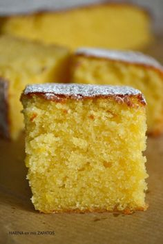Lemon and Almond Cake Pan Dulce, Food Cakes, Cupcake Cakes, Cupcakes, Sweets Recipes, Cake Recipes, Delicious Desserts, Yummy Food, Bunt Cakes