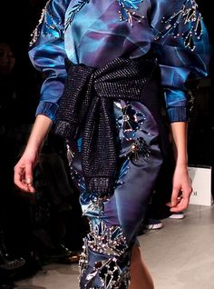 Masha Ma Fall/Winter 2013 The leg-of-mutton sleeves Leg Of Mutton Sleeve, Fall Winter, Autumn, Teal, Turquoise, Herve Leger, Bustle, Passion For Fashion, Love Her