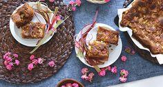 Elegante e romantica allo stesso tempo, questa torta vegana morbida con mandorle e rose è delicata e profumata.