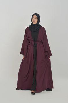 designer abayas of Khalij - Al Moultazimoun Boutique Abaya Designs, Abaya Simple, Abaya For Sale, Urban Chic, Skirts With Pockets, Sportswear, Ready To Wear, Peach, Boutique