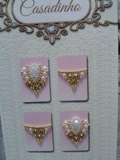 Imagem relacionada Nails Design With Rhinestones, Nail Jewels, Rhinestone Art, Gem Nails, Gorgeous Nails, Nail Care, Diamond Earrings, Nail Designs, Gems