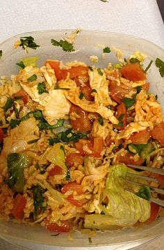 "Chipotle"" Burrito Bowl 15 minutes 21 DAY FIX - ""Chipotle"" - 3/4 C (shredded chicken), 1 C (tomatoes and romaine lettuce), 1/2 C (brown rice), cilantro hot sauce"
