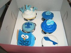 Cuteologyshop.com helped me make these cute cupcakes at a Kappa Kappa Gamma party. She is a genius and great teacher.