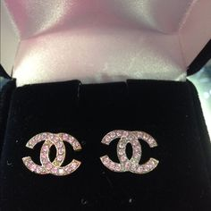10 kt gold  Chanel crystal stud earrings This Chanel earrings are 10kt  gold however they are not made by Chanel  I was snd evidence collector if Chanel jewerly however overtime I spent thousands of dollars on Chanel jewelry and accessories I bought two pair of earrings because I love them so much.  these earrings are 10 kt gold I have been very pleased with them , I did not have to worry about allegery reactions, or how to clean them or if I would loose a stone... Chanel Jewelry Earrings