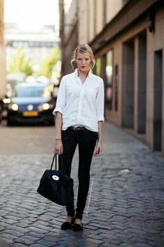 love her simple look.