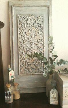 houten paneel 40x85 cm, rubberen deurmat, krijtverf, koffieprut, boenwas en…