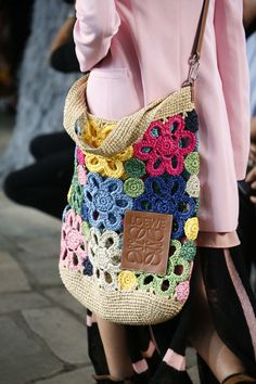 The six need-to-know bag trends 2019 to keep you one step ahead this summer. From shoulder bags to XXL totes to bum bags, these are the latest bag trends for spring summer 2019 and beyond. Crochet Shell Stitch, Crochet Tote, Crochet Handbags, Crochet Purses, Crochet Stitches, Knit Crochet, Free Crochet, Purse Patterns, Tote Pattern