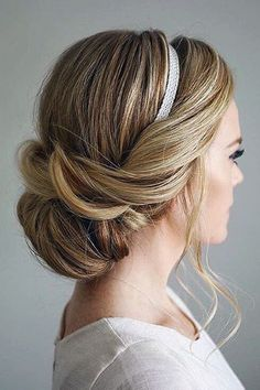 Perfect elegant holiday updo by the beautiful @Missy (Missy Sue Blog)! Love all…